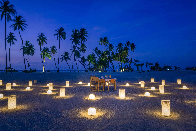 Blue-Hour-Destination-Dining---Palm-Beach